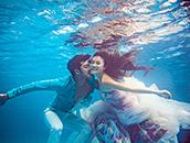 如何拍摄水下婚纱照