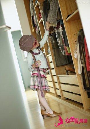别让漂亮衣服被损坏 清洁保养衣柜的有技巧