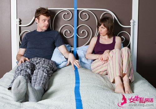 女人谨慎!过度爱情试探在B男人出轨