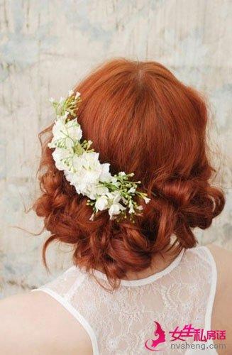 鲜花发夹式的新娘头饰,刚过耳际的头发长度,用图片