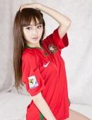 甜甜的足球宝贝靓丽写真