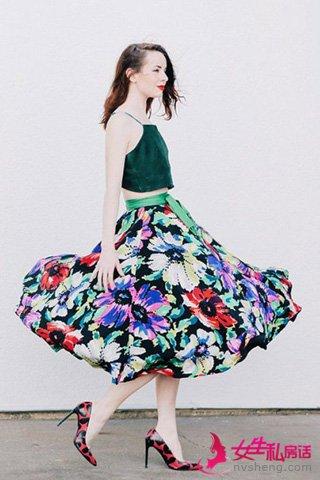 夏季怎么穿裙子 时尚博主街拍示范