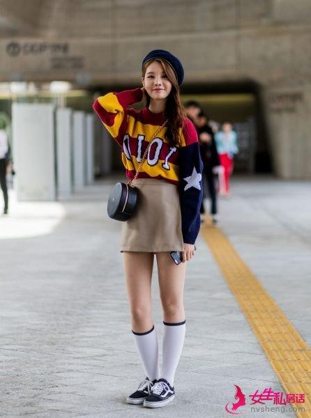 首尔时装周街拍 �n��女生的裙�b穿搭 裙子怎么搭配
