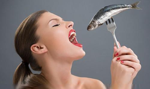 鱼刺卡住喉咙怎么办