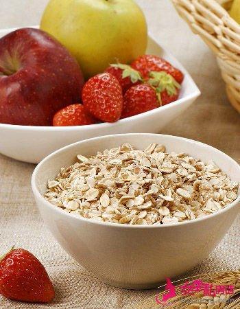 抗癌吃什么 早餐吃一碗麦片养生又抗癌