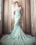 露肩婚纱让你变最美新娘