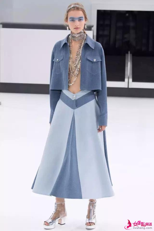 一件雾霾蓝的单品,高雅非凡的时髦又显气质,让你美出新高度!