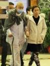 刘銮雄睡衣出门 甘比陪刘銮雄赴医院检查