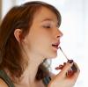 涂抹唇彩的几个技巧 你get了吗?