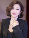54岁关之琳近照曝光 网友:脸不但歪而且很僵