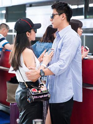 李冰冰与小男友机场搂搂抱抱好恩