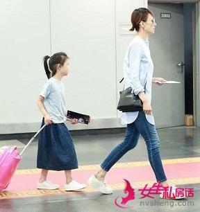 袁泉女儿近照曝光,自拉行李箱被赞很接地气有淑女范