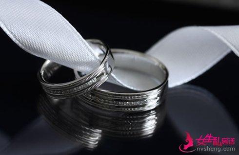 怎么挑选铂金对戒 铂金婚戒的长处