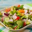 只吃蔬果沙拉能减肥吗?看你用什么沙拉酱