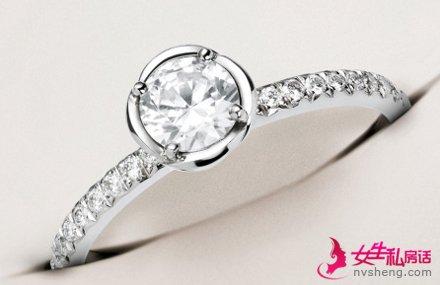 结婚钻石戒指怎么选 简单的钻石鉴别方法