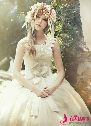 婚礼后婚纱只能搁置?5招赋予婚纱新用处