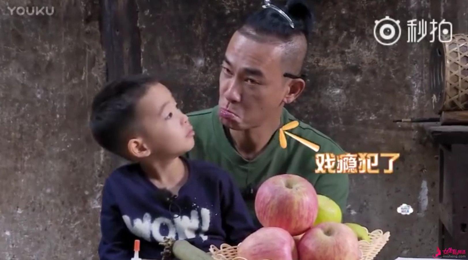陈小春怂恿儿子去借钱,Jasper的懂事萌化了全场的人