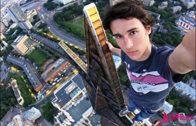 吉利尔・奥勒什金(Kirill Oreshkin)在一处高楼自拍时,不慎摔落当场死亡