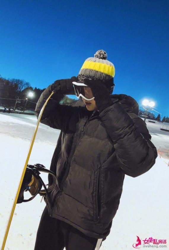 吴亦凡晒滑雪日常帅出新高度!王思聪耿直留言亮了……