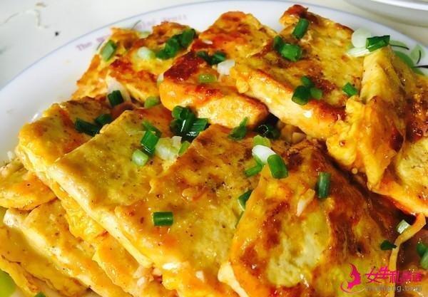 美食推荐:爆炒猪肝黄瓜,鸡蛋煎豆腐,栗子焖杏鲍菇的做法