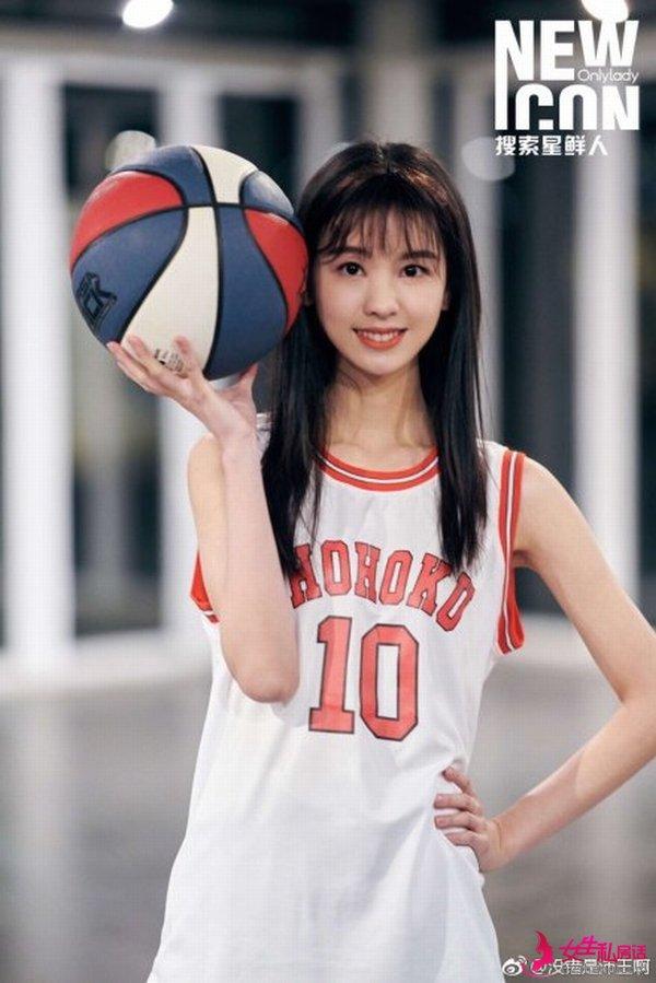 陈都灵运动少女