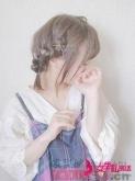 俏皮可爱的女生短扎发 尽情享受少女的甜美