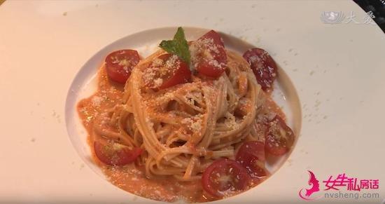 素食养生:柠香番茄拌面