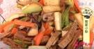 素食�B生:客家小炒