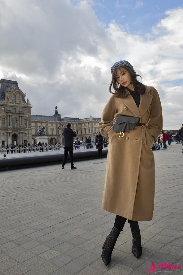 王心凌当观光客跑遍巴黎景点