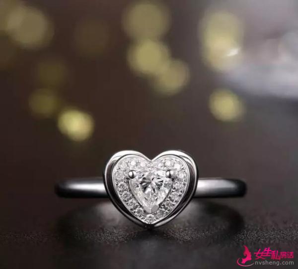 珠宝知识170:钻石选购篇(十四):钻戒选简单款还是豪华款?