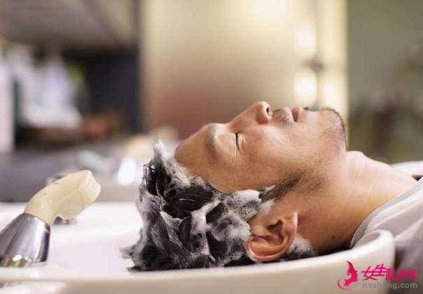 洗头先用洗发水还是护发素?关于洗头3个正确方式,很多人洗错了