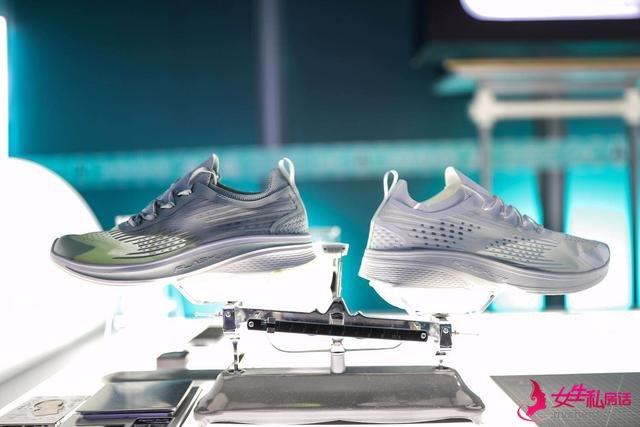 """安踏跑步打造""""氢科技""""实验室,氢跑鞋轻装上阵"""