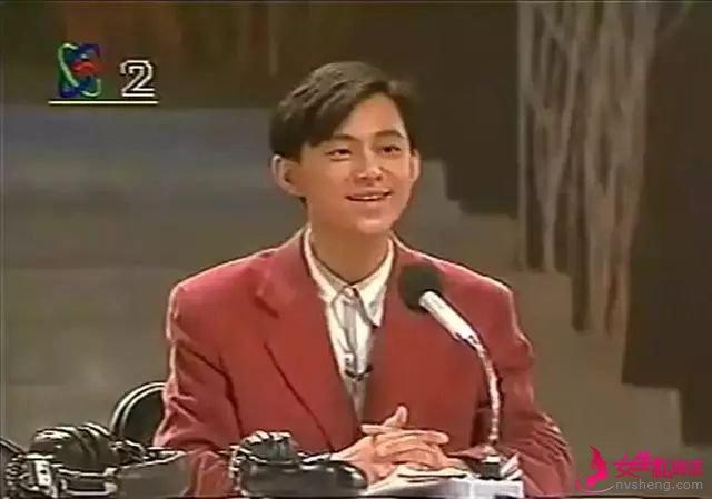 △ 1994年何炅自编自导自演小品《渗透》
