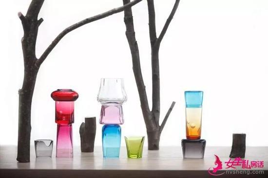 水晶制成的胡椒瓶、杯子等