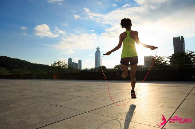 懒人快速瘦腿方法,这5个动作,真的能瘦腿