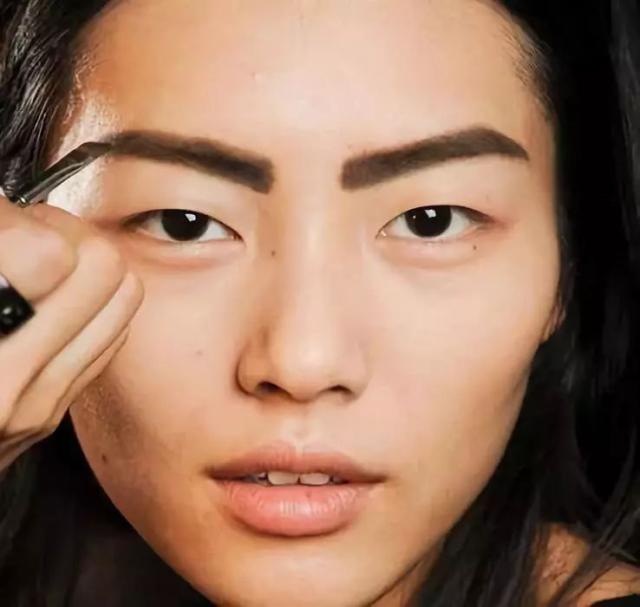 新手怎么化妆才气越发自然,学会这几招,轻松打造女神妆容!