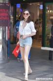 街拍:自从有了大长腿,美女们上