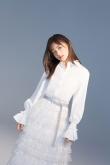 屠芷莹曝光白衣写真,画风清新尽显小仙女气质