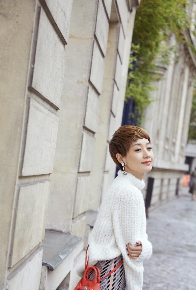 马伊�P高调拍秋冬时尚大片,时尚短发造型,比离婚前美得更有气质